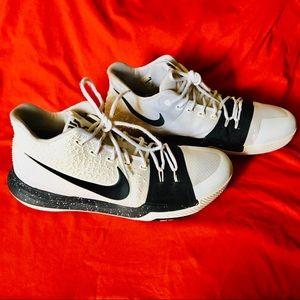 Men's Nike Kyrie 3s Cookies & Cream (13)
